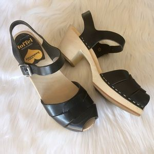 Swedish Hasbeens Peep Toe Clog Sandals Size 38